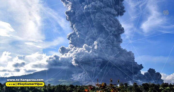 Volcán Sinabung, en Indonesia, hace erupción y las imágenes son impresionantes